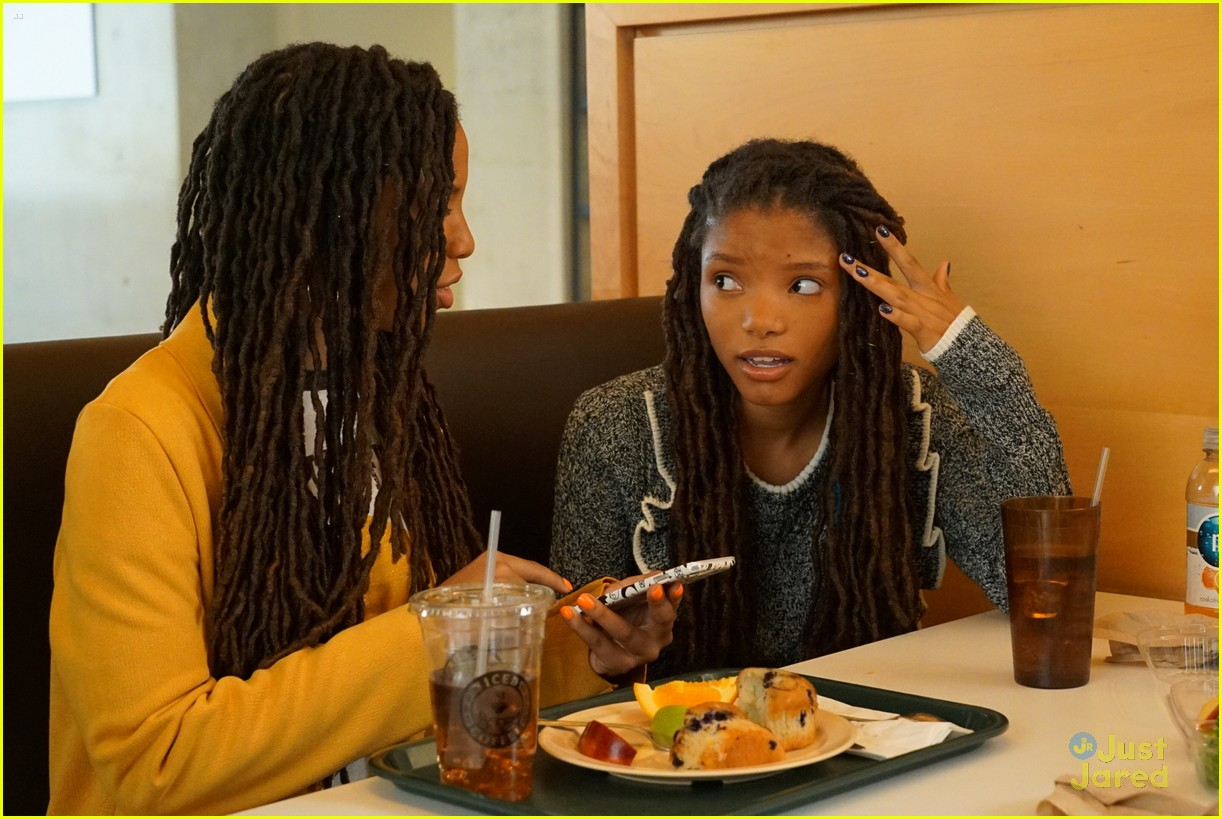 grownish u up text girl talk stills 04