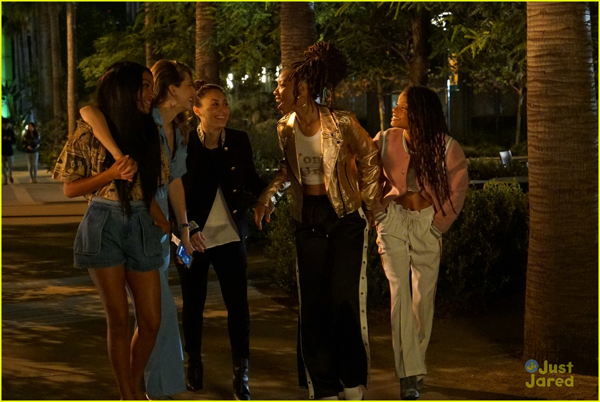 grownish u up text girl talk stills 05