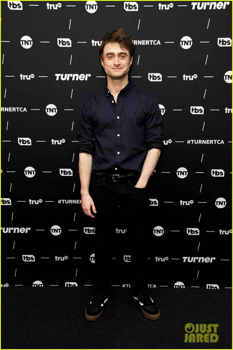 daniel radcliffe and steve buscemi bring miracle workers to winter tca tour 2018 02